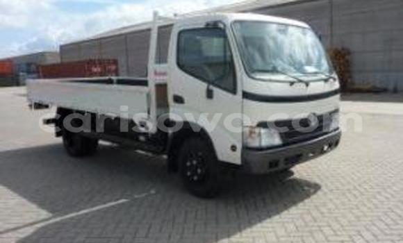 Acheter Voiture Toyota Venza Blanc à Cotonou en Benin