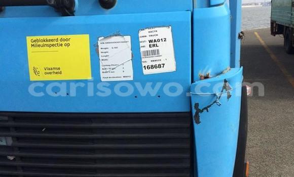 Acheter Voiture Renault Scenic Bleu à Savalou en Benin