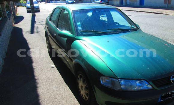Acheter Voiture Opel Vectra Vert à Savalou en Benin