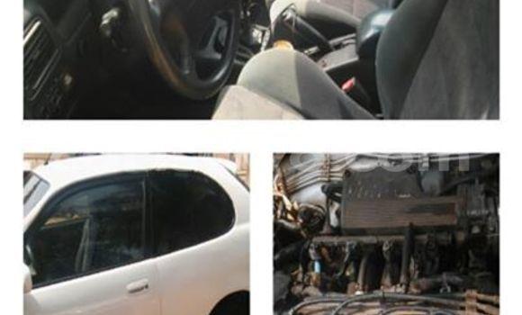 Acheter Voiture Toyota Corolla Blanc à Savalou en Benin