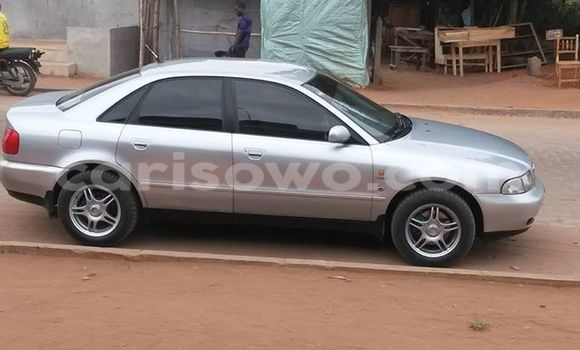 Acheter Voiture Audi A4 Gris à Savalou en Benin