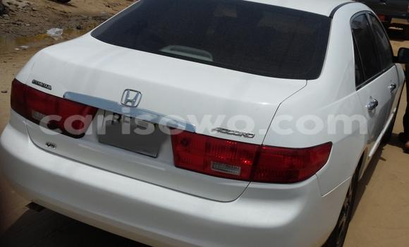 Acheter Voiture Honda Accord Blanc à Savalou en Benin