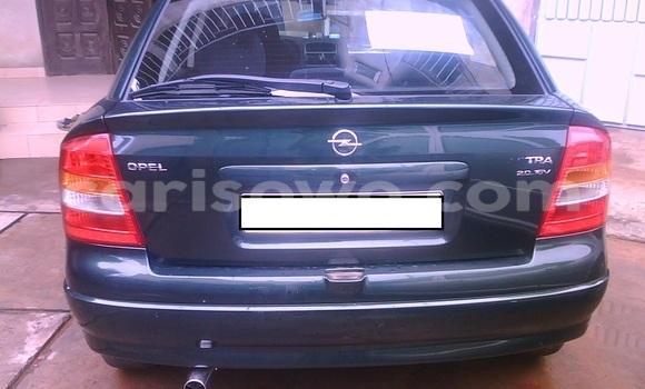 Acheter Voiture Opel Astra Vert à Cotonou en Benin