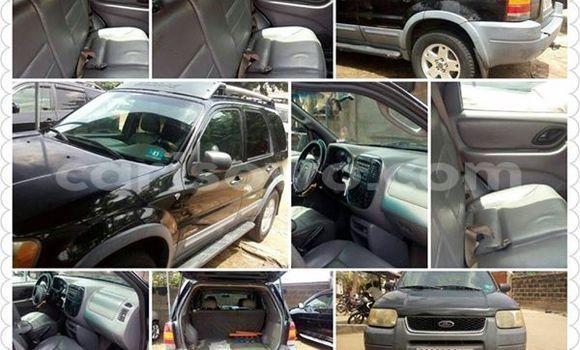 Acheter Voiture Ford Escape Noir à Cotonou en Benin