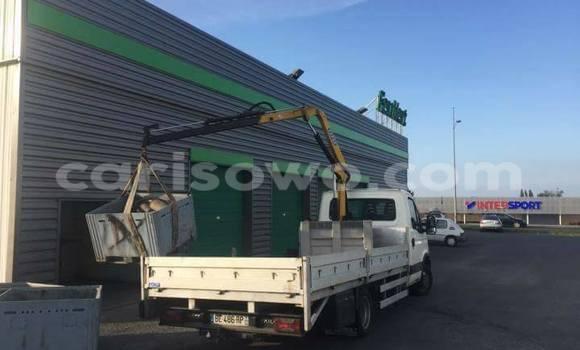 Acheter Voiture Renault 19 Blanc à Cotonou en Benin