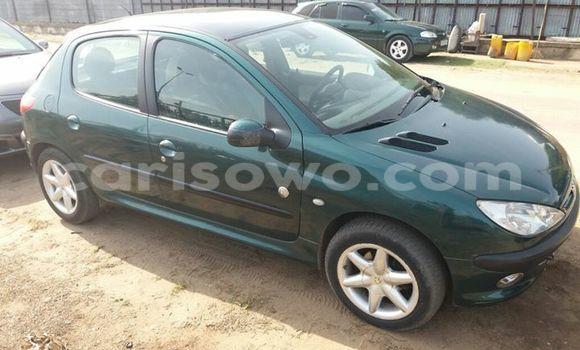 Acheter Voiture Peugeot 206 Vert en Cotonou
