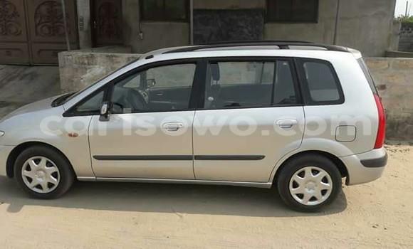 Acheter Voiture Mazda Premacy Gris en Cotonou