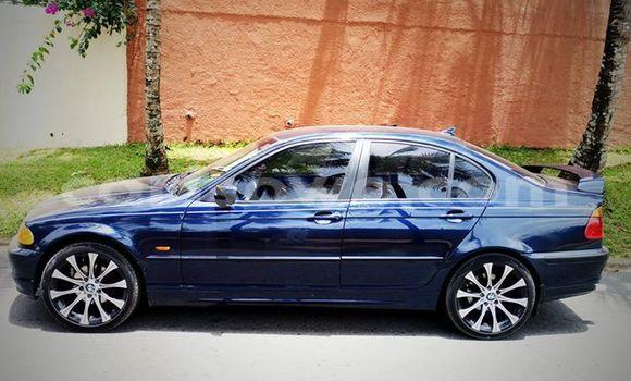 Acheter Voiture BMW 3-Series Bleu en Cotonou