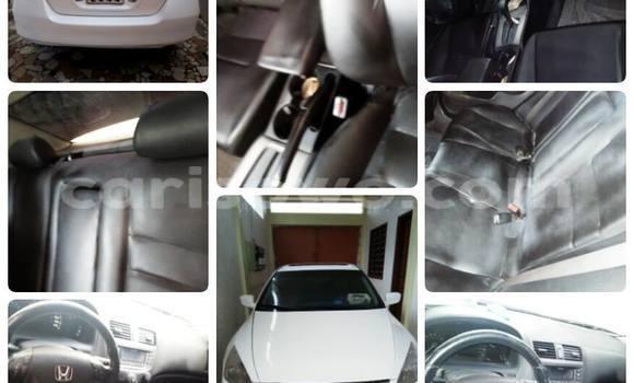 Acheter Voiture Honda Accord Blanc en Cotonou
