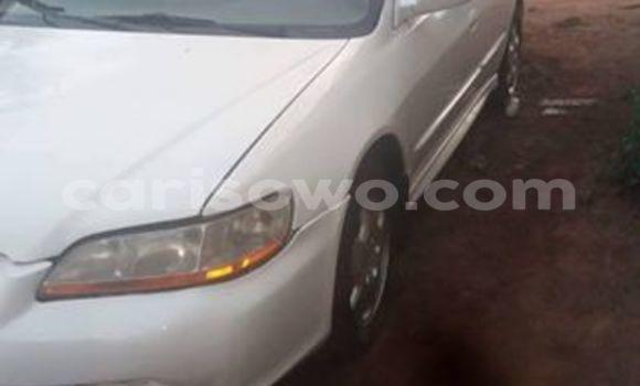 Acheter Voiture Honda Accord Blanc à Cotonou en Benin