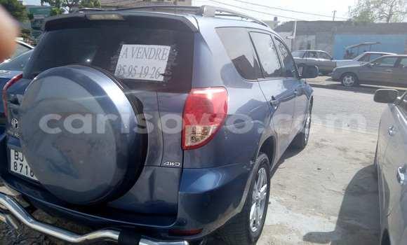Acheter Voiture Toyota RAV4 Bleu à Cotonou en Benin
