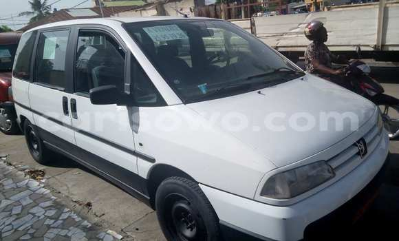 Acheter Voiture Peugeot 806 Blanc à Cotonou en Benin