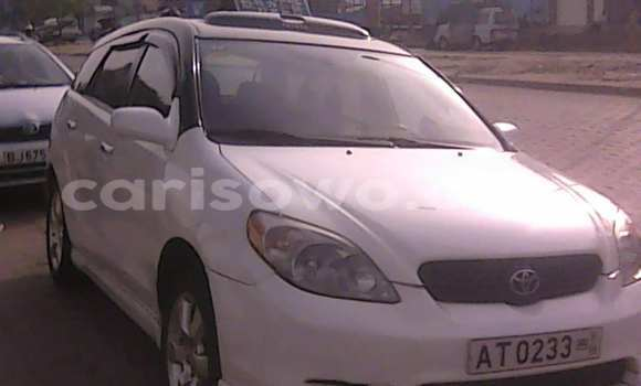 Acheter Voiture Toyota Matrix Blanc à Cotonou en Benin