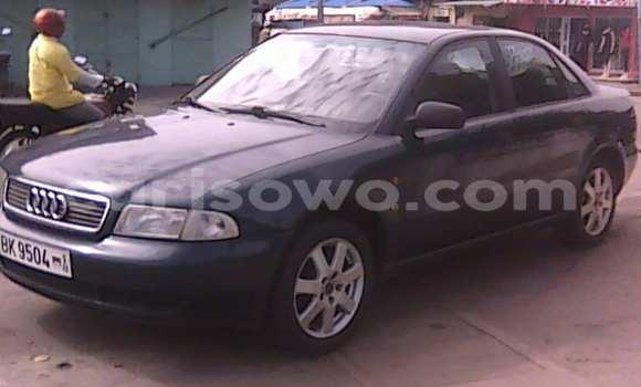 Acheter Voiture Audi A4 Noir à Savalou en Benin