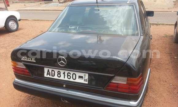 Acheter Voiture Mercedes-Benz 200 Noir à Parakou en Benin