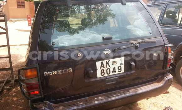 Acheter Voiture Nissan Pathfinder Noir à Parakou en Benin
