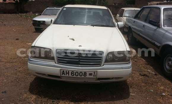 Acheter Voiture Mercedes-Benz 250 Blanc à Parakou en Benin