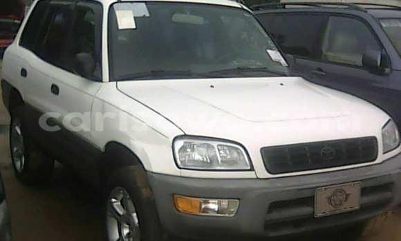Acheter Voiture Toyota RAV4 Blanc à Porto Novo en Benin
