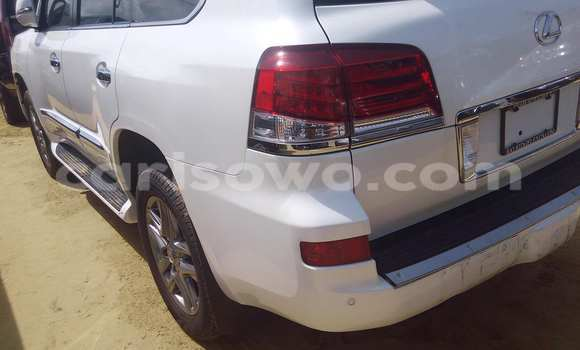 Acheter Voiture Lexus LX 450 Blanc à Porto Novo en Benin