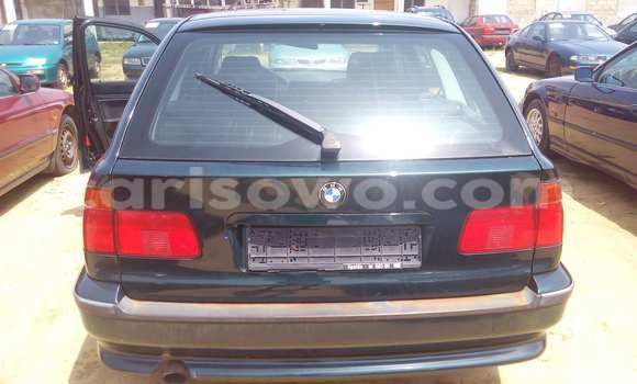 Acheter Voiture BMW 3-Series Vert à Porto Novo en Benin