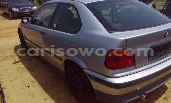 Acheter Voiture BMW 3-Series Gris à Porto Novo en Benin
