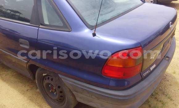 Acheter Voiture BMW 3-Series Noir à Porto Novo en Benin