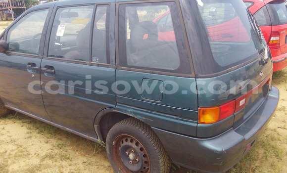Acheter Voiture Nissan Prairie Vert à Porto Novo en Benin