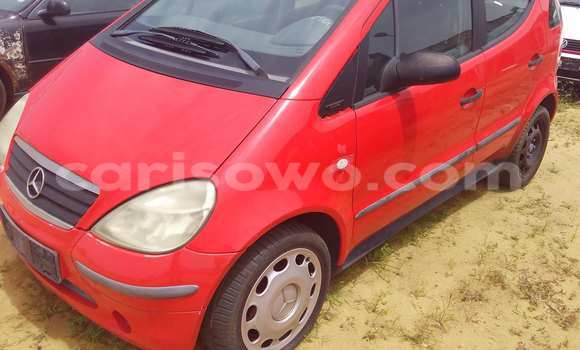Acheter Voiture Mercedes-Benz A-Class Rouge à Porto Novo en Benin